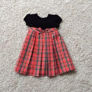 📦5/$25 George Pleated Holiday dress